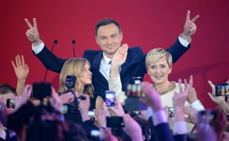 Official election result: Duda 51.55%, Komorowski 48.45%