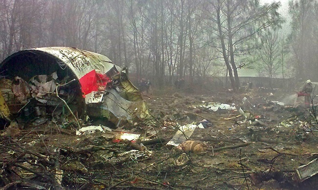 The wreckage of the presidential plane in 2010. Photo: Wikimedia Commons