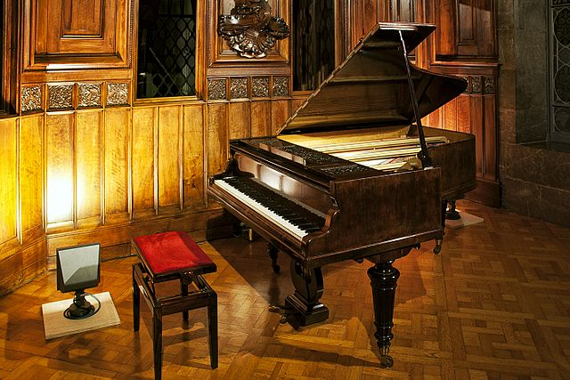 An 1885 Erard grand piano. Photo: Jmrebes/Wikimedia Commons (CC BY-SA 4.0).