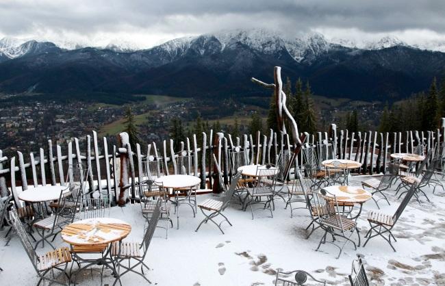 Snow on the Gubałówka peak above Zakopane. Photo: PAP/Grzegorz Momot