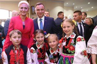 President Duda tells Polish Australians to 'come back'