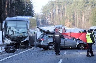Crash in Poland kills three, 11 children slightly injured