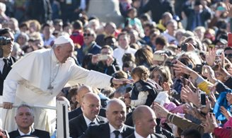 Be steadfast in your faith, Pope tells Poles