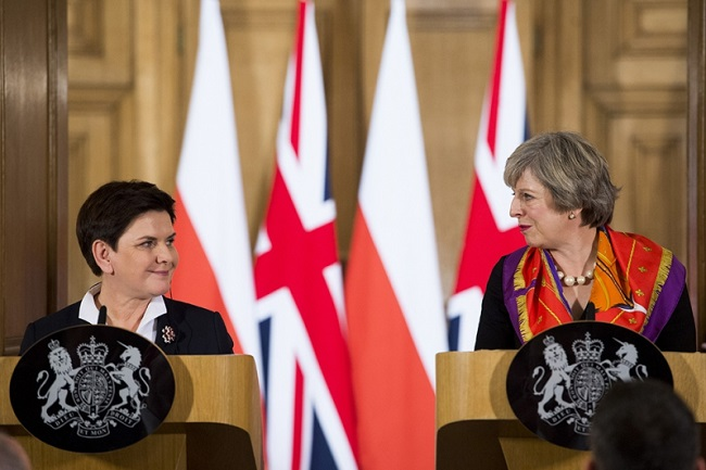 Polish PM Beata Szydło (L) and UK counterpart Theresa May in London in November 2016. Photo: KPRM