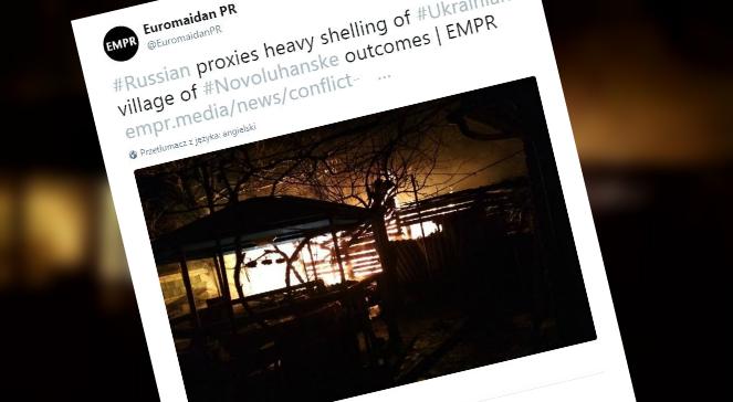 Pożar jednego z budynków po ataku rakietowym separatystów
