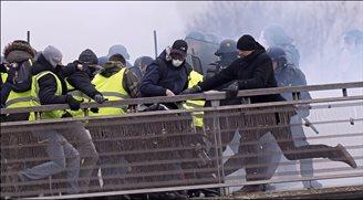 У Францыі зноў пратэстуюць «жоўтыя камізэлькі»