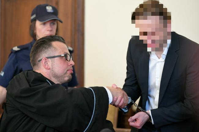 Адвокат Михал Коморовский и его подзащитный Марцин П.