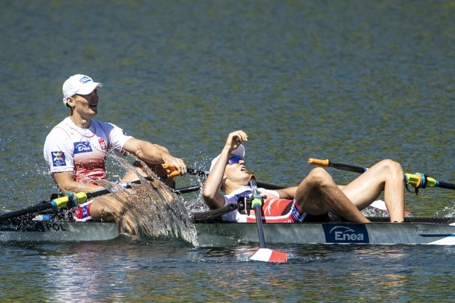 Poland's Mirosław Ziętarski (left) and Fabian Barański (right) during the 2019 European Rowing Championships on Lake Rotsee in Lucerne, Switzerland. Photo: EPA/ALEXANDRA WEY