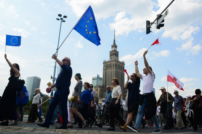 Protesters in Warsaw. Photo: PAP/Jakub Kamiński.