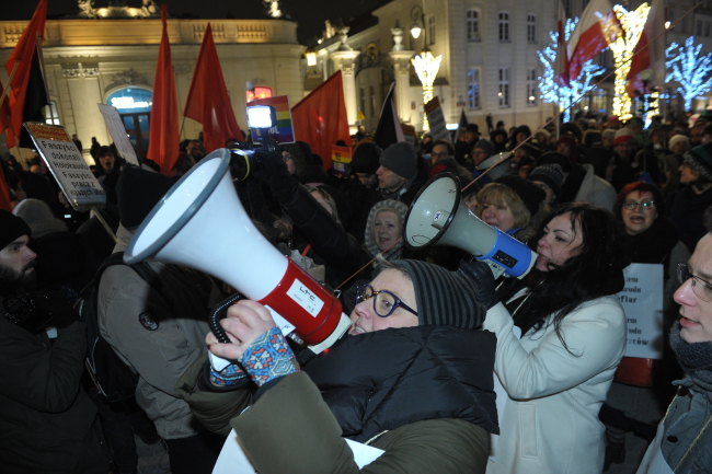 Protesters in Warsaw on Monday. Photo: PAP/Marcin Obara.