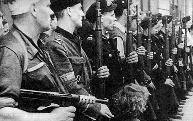 """Батальон """"Килиньский"""" (им. Яна Килиньского) Армии Крайовой. Его бойцы сражались с гитлеровскими оккупантами в Варшавском восстании."""