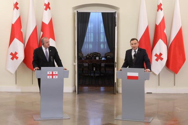 Президент Польши Анджей Дуда (справа) и президент Грузии Георгий Маргвелашвили.