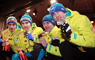 Polish ski jumpers win bronze!