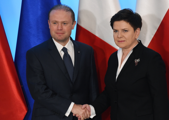 Maltese PM Joseph Muscat and Polish PM Beata Szydło. Photo: PAP/Radek Pietruszka