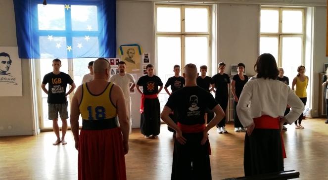 Молодь під час хореографічних занять у Варшаві