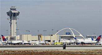 Лос-Анджэлес: паліцыя высьвятляе прычыну панікі ў аэрапорце