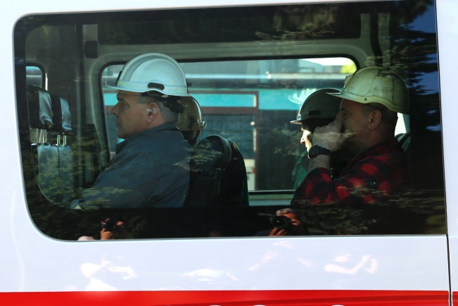 Several teams of rescuers were deployed to search for missing miners after a tremor struck a coal mine in southern Poland on Saturday. Photo: PAP/Andrzej Grygiel