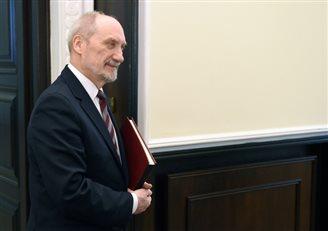 Мацеревич представил данные по количеству отставок из польской армии
