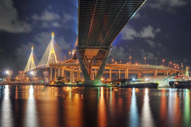 Bhumibol Bridge, Bangkok. Photo: Flickr.com/Mike Behnken