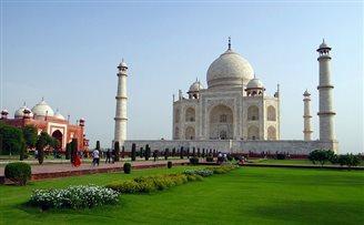 Dozens of Polish companies at India business forum