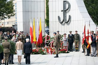 Wreaths laid at Warsaw Monument to the Underground State