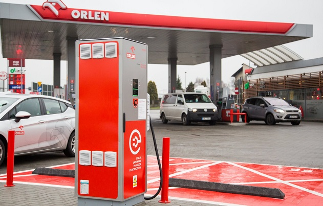 Первая действующая станция зарядки электрических автомобилей в Севеже