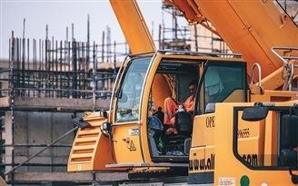 Poles work 45 hours per week on average: study