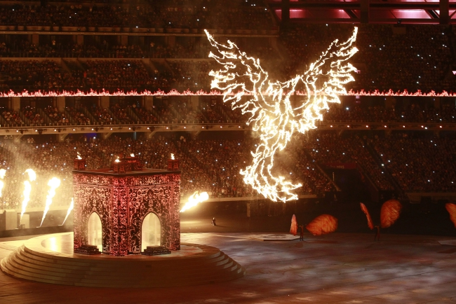 Simurgh, a mythical bird creature in Azerbaijani folklore, is displayed during the closing ceremony of the Baku 2015 European Games at the Baku Olympic Stadium in Baku, Azerbaijan, 28 June 2015. EPA/ZURAB KURTSIKIDZE