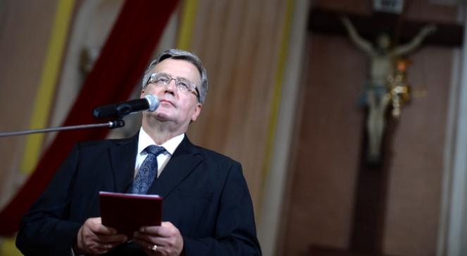 Prezydent Bronisław Komorowski przemawia podczas mszy świętej w intencji ofiar Zbrodni Wołyńskiej