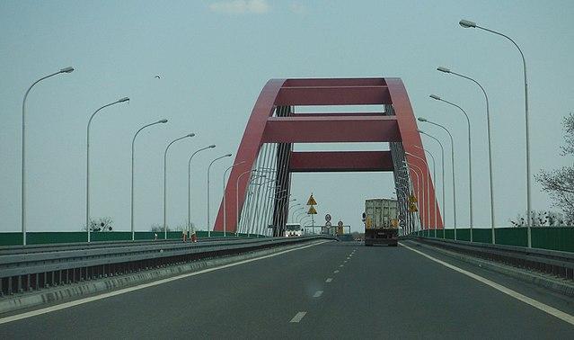 Міст ім. Івана Павла ІІ в Пулавах, швидкісне шосе S12.