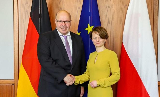 Министр предпринимательства и технологий Польши Ядвига Эмилевич и министр экономики и энергетики Германии Петер Альтмайер
