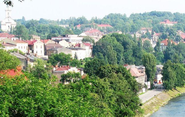 Cieszyn, a town that bestrides the Czech-Polish border. Photo: wikimedia commons/scotch mist