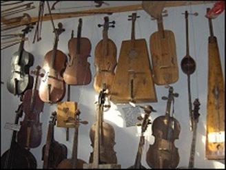 Unikatowe zbiory Galerii Instrumentów Folkowych