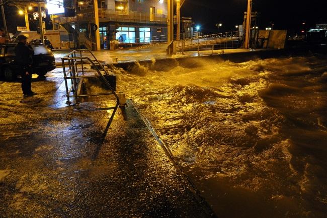 Flooding in Świnoujście, north-western Poland. Photo: PAP/Marcin Bielecki