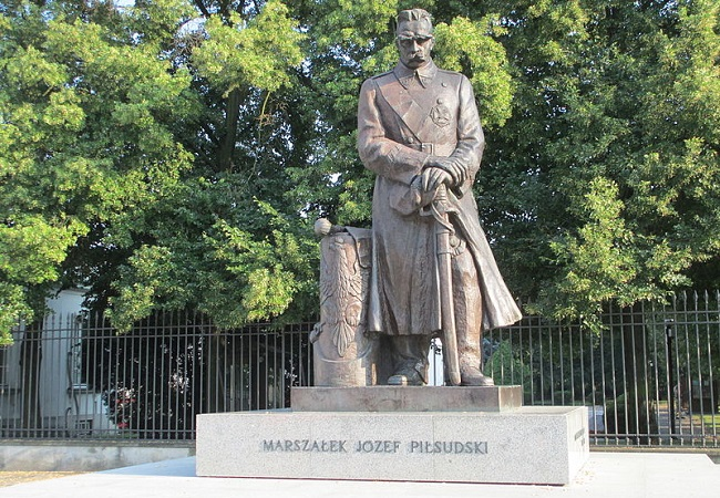 A statue of Józef Piłsudski in Warsaw. Photo: Wikimedia Commons