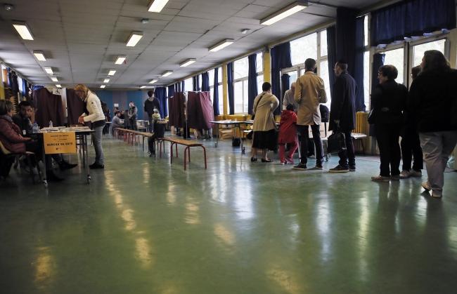 Перший тур президентських виборів у Франції, виборча дільниця в Парижі, 23 квітня 2017 року
