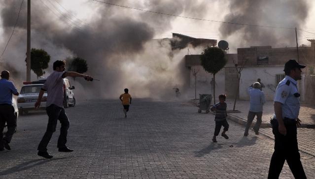 Ulica w Akcakale po uderzeniu pocisku artyleryjskiego