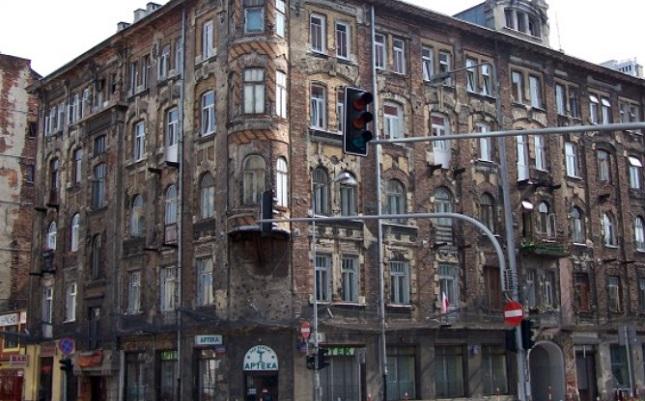 Alte Bürgerhäuser, ein wenig verkommen, aber noch in Funktion.