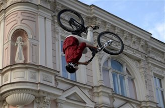 Daredevils take over Przemyśl for Biketown Festival