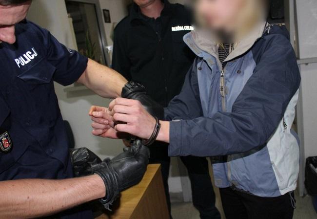Polish police take a suspect into custody. Photo: policja.pl