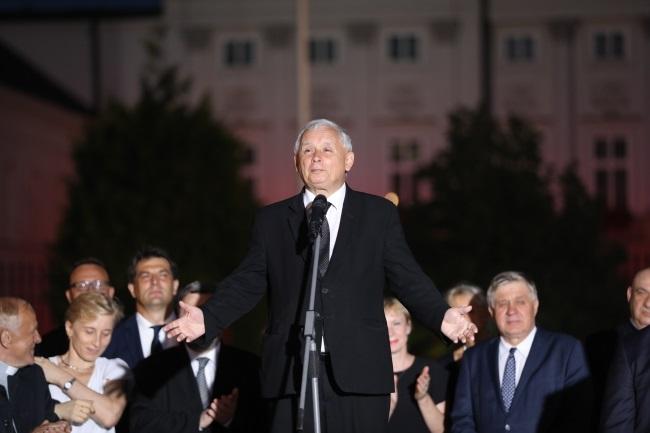 Jarosław Kaczyński outside the presidential palace in Warsaw. Photo: PAP/Marcin Obara