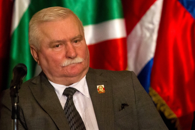 Lech Wałęsa attends press conference in Caracas, Venezuela, in support of Venezuelan jailed opposition. EPA/MIGUEL GUTIERREZ