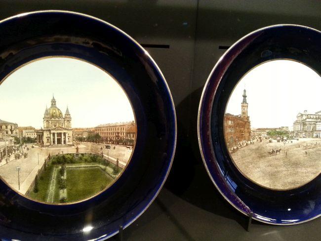 Тарелки с видами Варшавы - экспонаты из Кабинета сувениров Музея Варшавы.