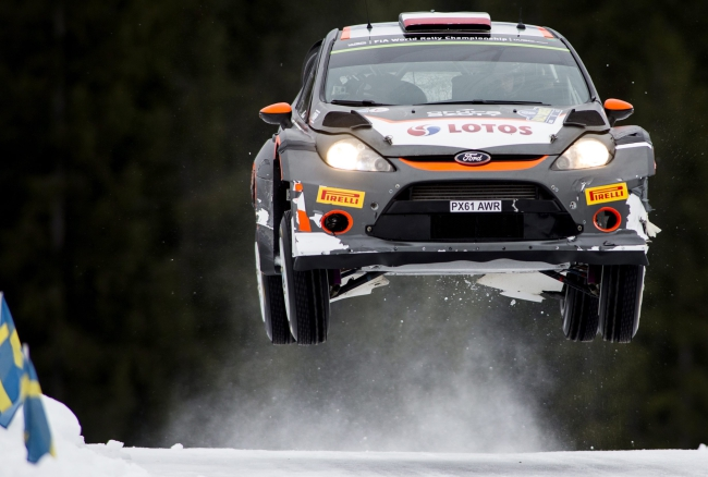 Robert Kubica of Poland driving his Ford Fiesta RS during day 4 of the FIA World Rally Championship in Kirkenaer, Norway, 15 February 2015. Photo: PAP/EPA/Nikos Mitsouras
