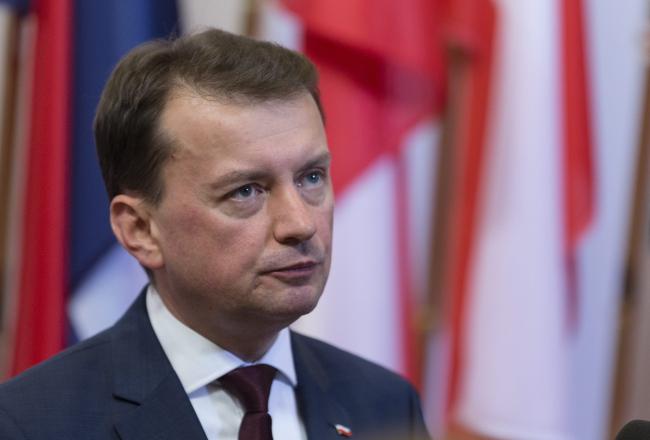Mariusz Błaszczak. EPA/OLIVIER HOSLET