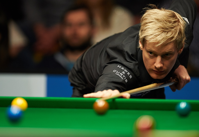 Austrialian Neil Robertson during his semi-final against Englishman Shaun Murphy at the World Snooker European Tour Gdynia Open 2015. Photo: PAP/Adam Warżawa