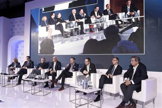 Economists talk at European Financial Congress