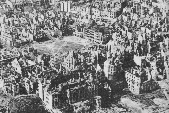 WWII-era Warsaw. Photo: Wikimedia Commons