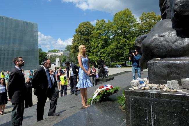 Ivanka Trump at the Ghetto Heroes Monument in Warsaw. Photo: PAP/Przemysław Piątkowski.