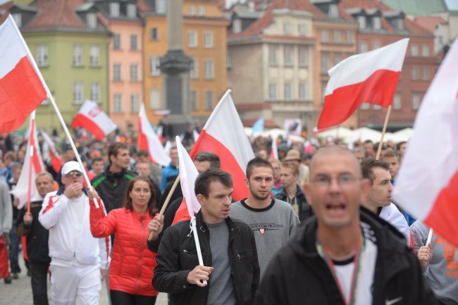 Participants in a march in Warsaw against Poland's prospective acceptance of refugees. Photo: PAP/Marcin Obara